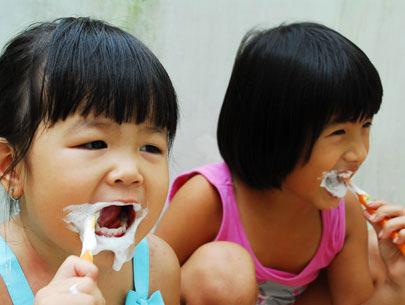 Chăm sóc răng cho trẻ đúng cách