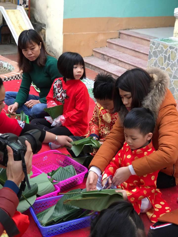 Trường mầm non Trần Hưng Đạo tổ chức cho trẻ gói bánh Chưng ngày tết - Bài viết tháng 2