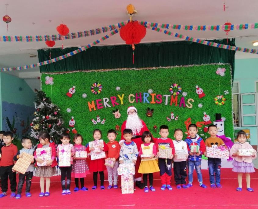 HOẠT ĐỘNG SINH HOẠT TẬP THỂ Trải nghiệm ngày Noel của các con trường mầm non Trần Hưng Đạo