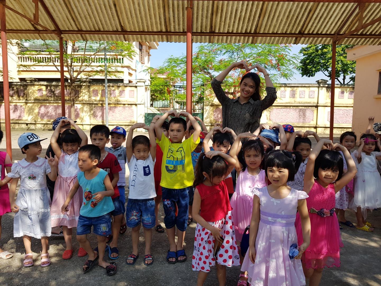 Tham quan trường tiểu học Quang Trung