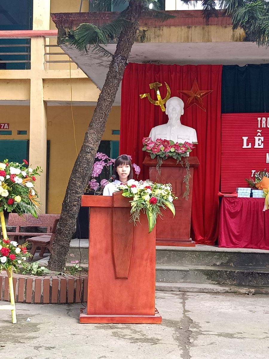 Em: Nguyễn Thị Ngọc Hà - đại diện học sinh phát biểu cảm nghĩ