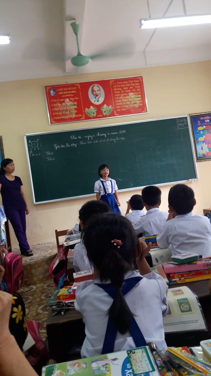 Cô Vũ Thị Duyên trong giờ dạy GDLS