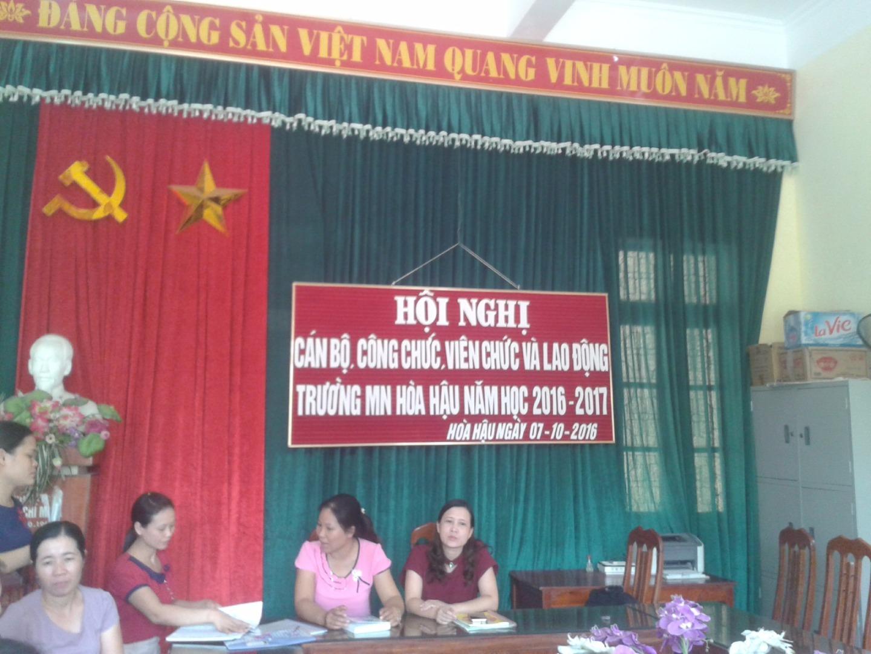 Hội nghị cán bộ, công chức, viên chức và lao động