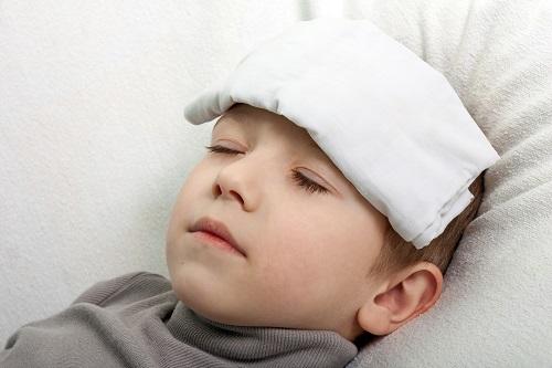 Làm thế nào khi trẻ bị sốt