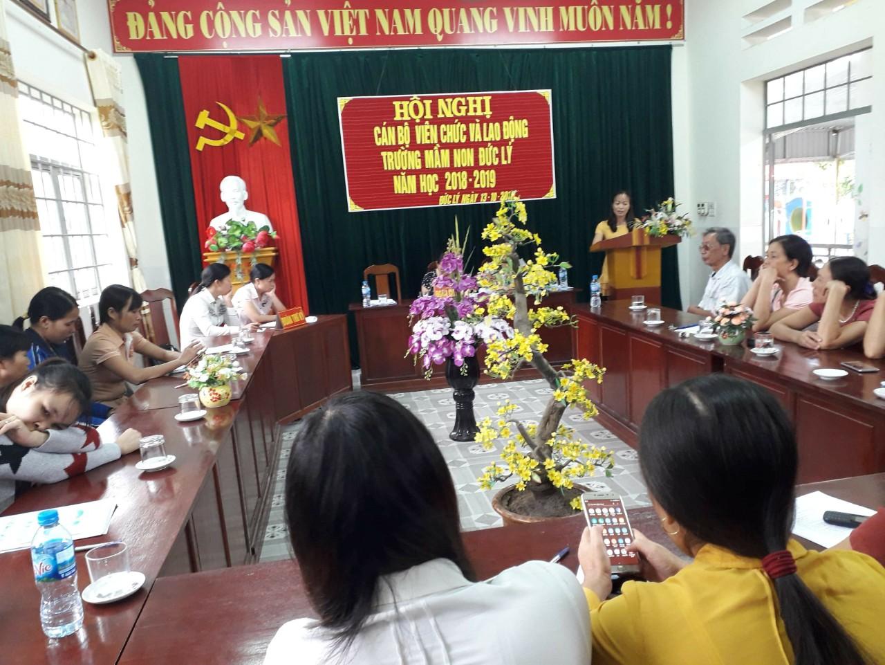 Trường Mầm non xã Đức Lý tổ chức Hội nghị cán bộ viên chức và lao động năm học 2018 - 2019
