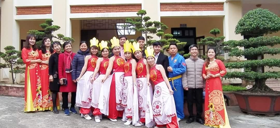 Liên hoan văn nghệ ' Mừng Đảng, mừng Xuân'  chào mừng kỷ niệm 90 năm Ngày thành lập Đảng Cộng sản Việt Nam (03/02/1930 - 03/02/2020) và mừng Xuân Canh Tý năm 2020