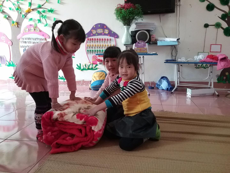 Hướng dẫn thực hành kỹ năng tự phục vụ  cho trẻ mầm non