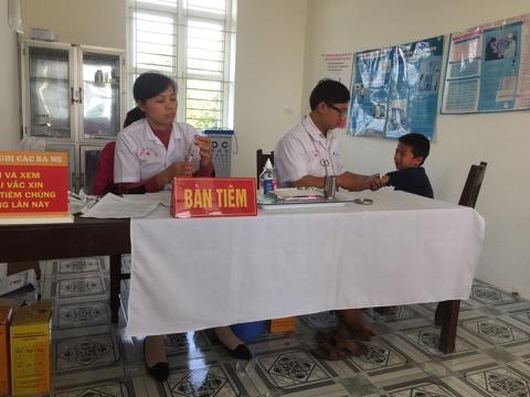 Trường mầm non xã Đạo Lý đã tổ chức cho học sinh ra tiên phòng sởi Rubella